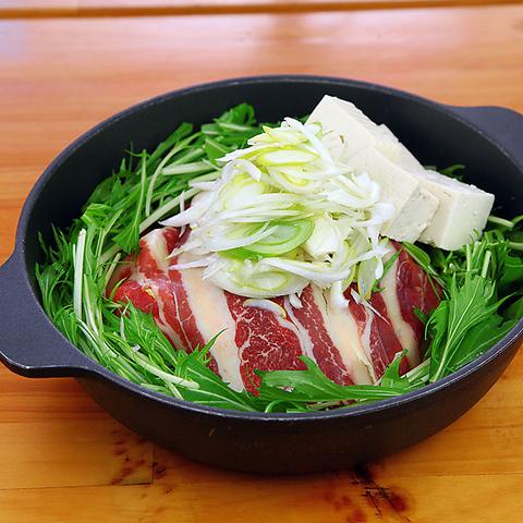 赤坂の居酒屋【桜屋 馬力キング 赤坂店】の馬肉すき焼き鍋