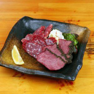 赤坂にある馬肉料理が楽しめる居酒屋【桜屋 馬力キング 赤坂店】
